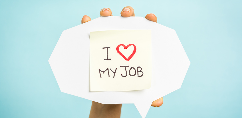 """Yellow adhesive note on speech bubble with """"I love my job"""" words"""